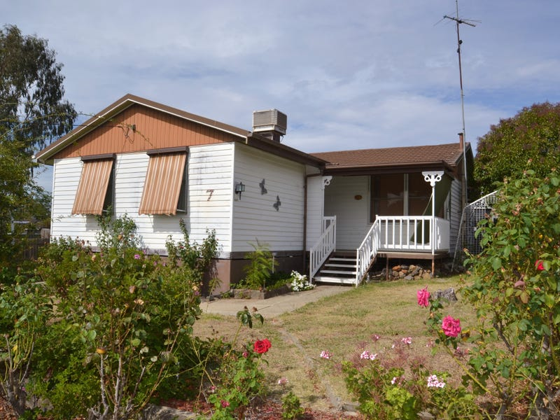 7 Smith Street, Seymour, Vic 3660