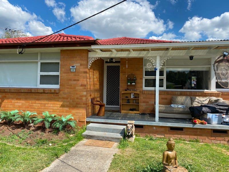 3 Grahame Avenue, Glenfield, NSW 2167