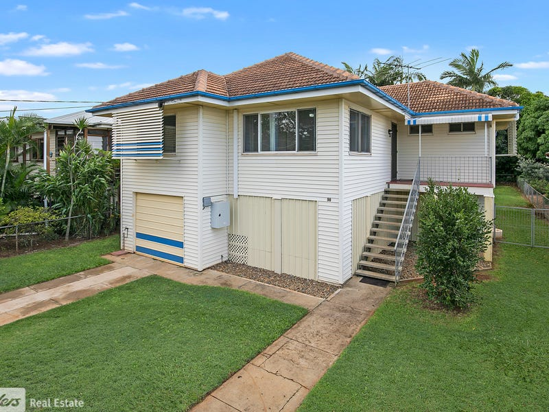 98 King Street, Woody Point, Qld 4019