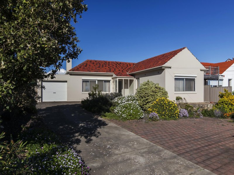 122 Seaview Road, Tennyson, SA 5022