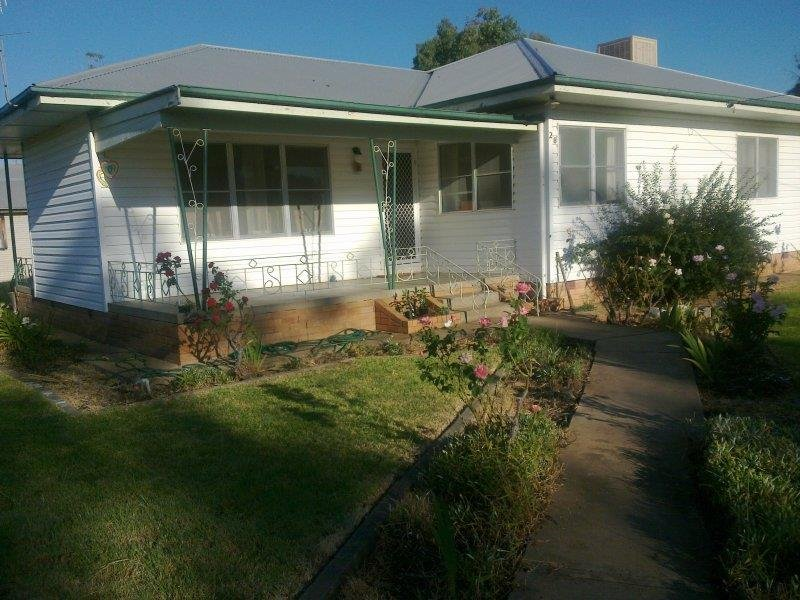 28 Coonamble   St, Gulargambone, NSW 2828