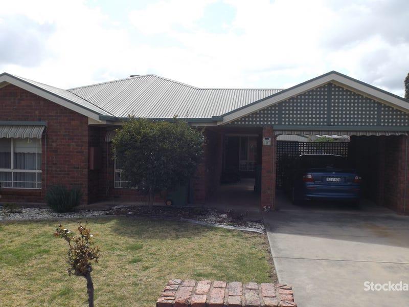 3 Carson Drive, Corowa, NSW 2646