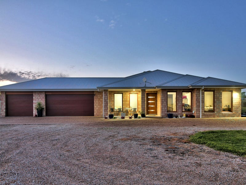 11 Balfours Road, Lucknow, Vic 3875