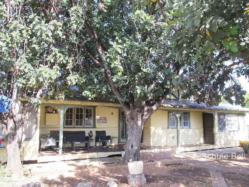 12 Glen St, Bourke, NSW 2840