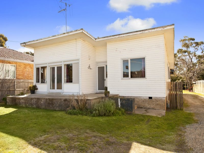 2 Gilmore Place, Queanbeyan West, NSW 2620