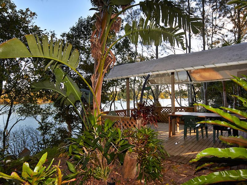 24 Cowans Lane, Oxley Island, NSW 2430