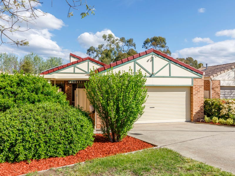 33 Grounds Crescent, Greenway, ACT 2900