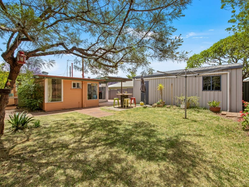742 Ruthven Street, South Toowoomba, Qld 4350