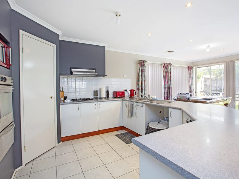 17 Lauderdale Street, West Hoxton, NSW 2171