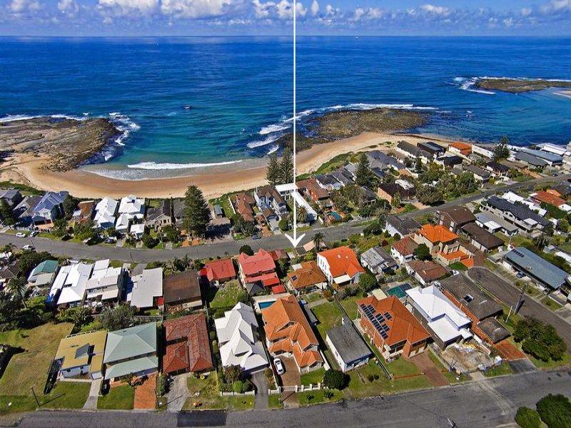 27 Werrina Parade, Blue Bay, NSW 2261