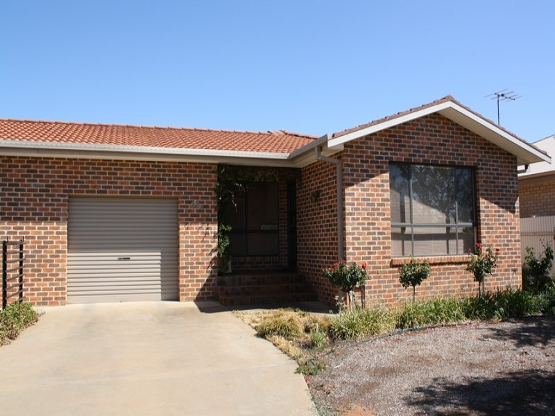 68B Clifton Boulevarde, Griffith, NSW 2680