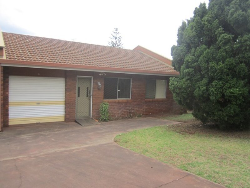 2/17 Hume Street, North Toowoomba, Qld 4350