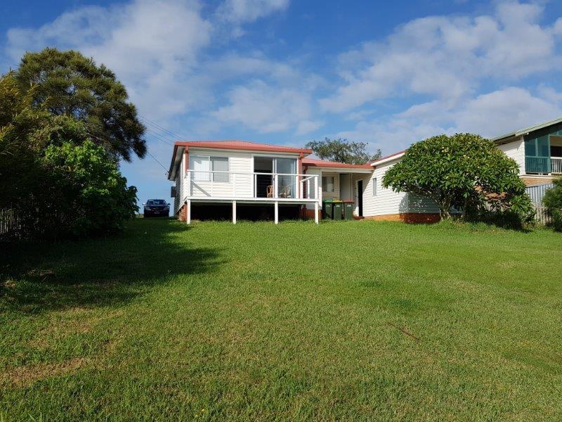 14 Waratah Street, Scotts Head, NSW 2447