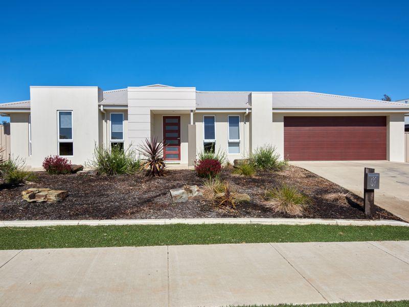 69 Lingiari Drive, Lloyd, NSW 2650