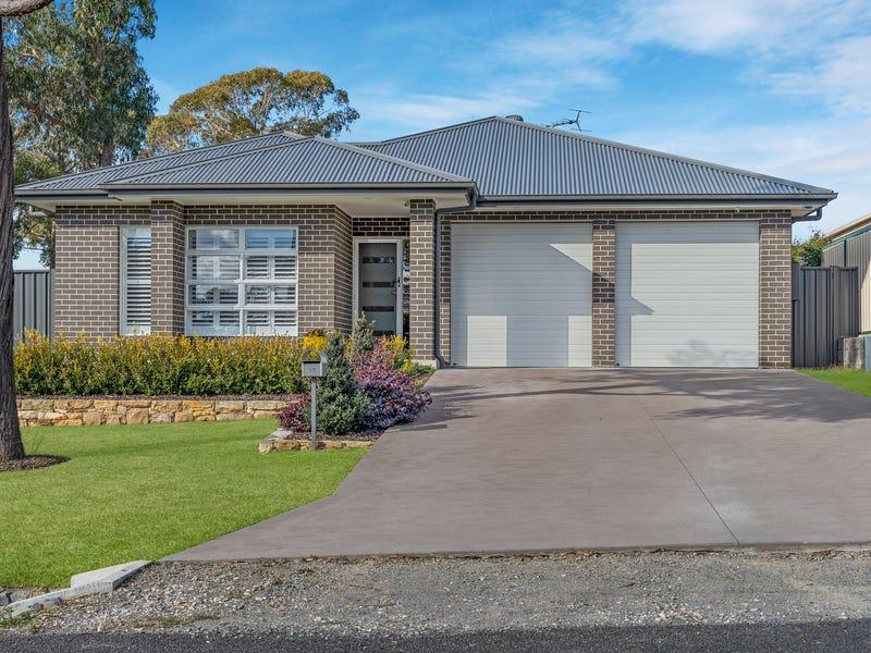 14 Cumberteen Street, Hill Top, NSW 2575
