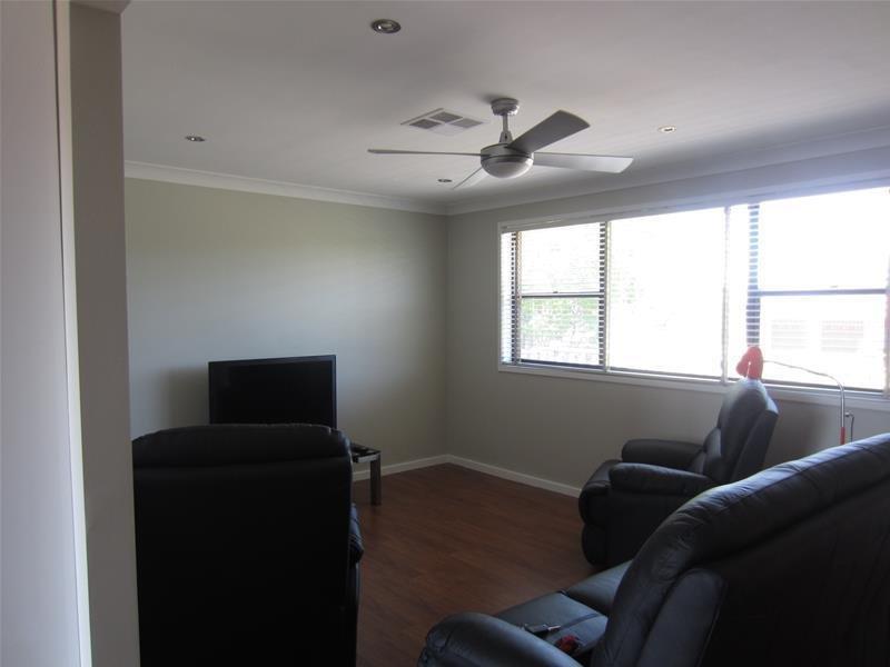 24 Falkiner Crescent, Singleton Heights, NSW 2330