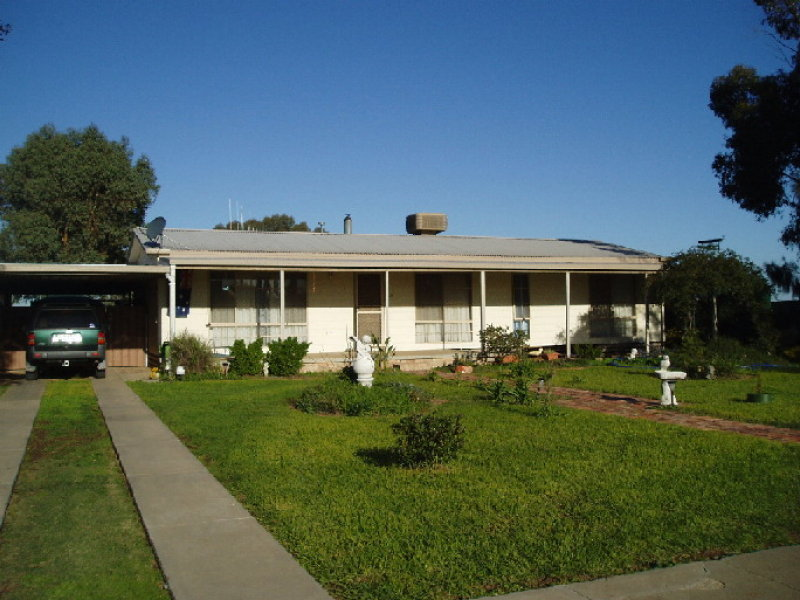14 HAWKEN STREET, Leitchville, Vic 3567