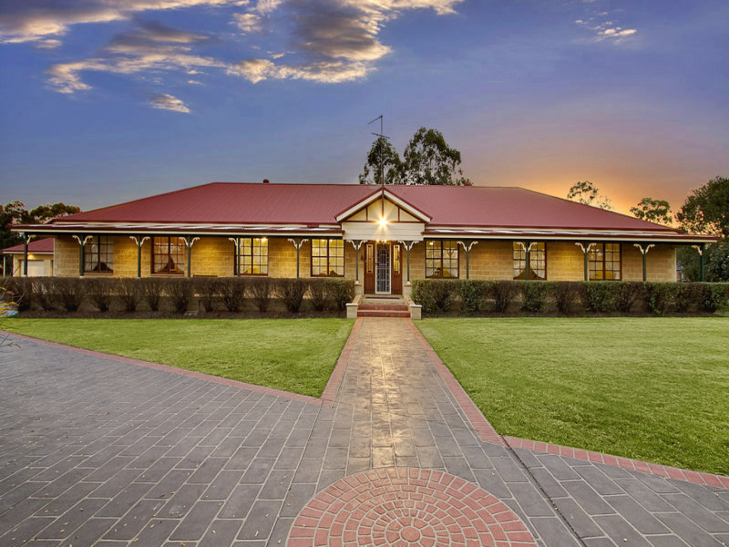 81 Canoona Avenue, Windsor Downs, NSW 2756