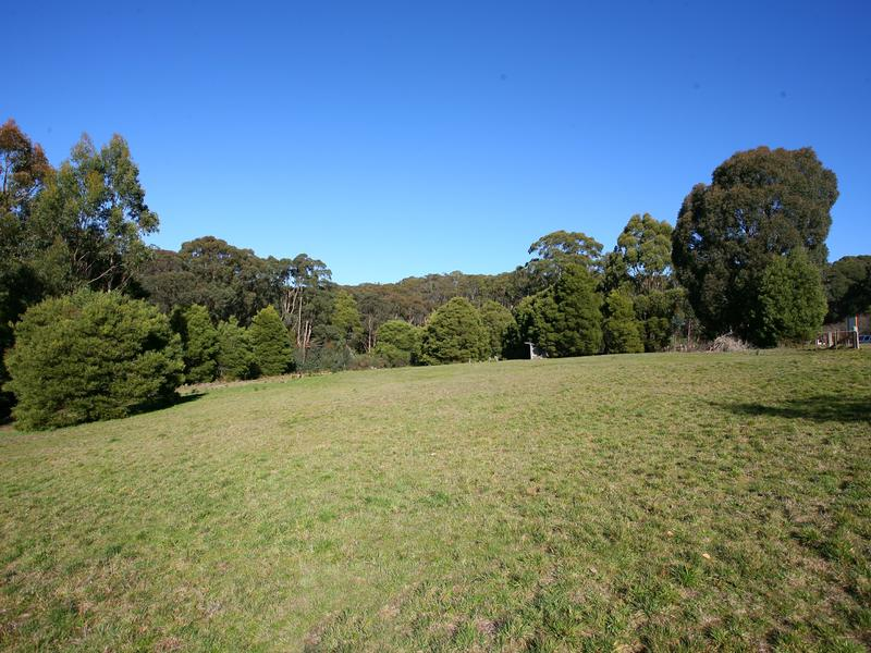 Lot 2 and 3 Greendale Trentham Road, Barrys Reef, Vic 3458