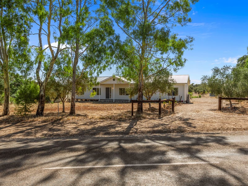 137 Saddleworth Road, Auburn, SA 5451