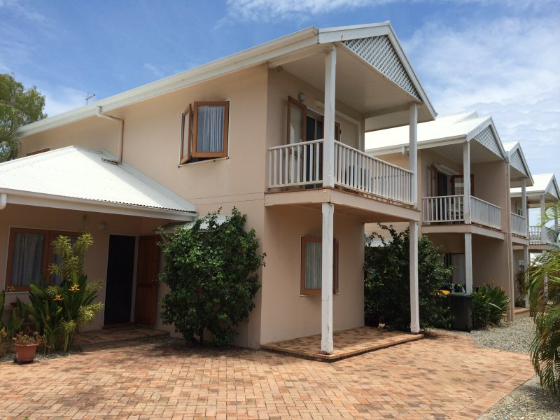 76-78 Cedar Road, Palm Cove, Qld 4879