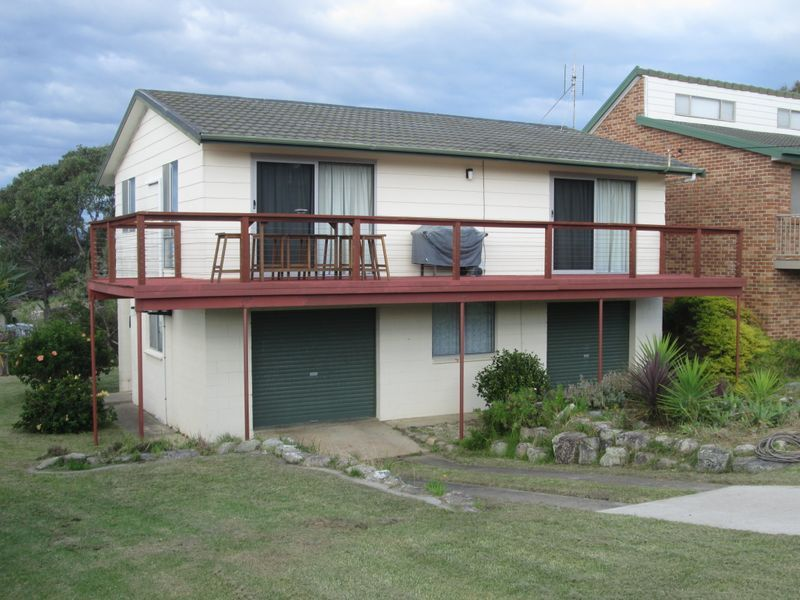 11 Kitchener Road, Tuross Head, NSW 2537