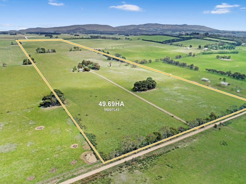 68 & 118 Cullys Road, Lancefield, Vic 3435