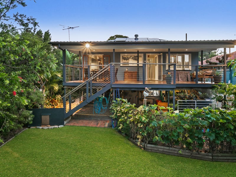 22 Currong Street, Kenmore, Qld 4069