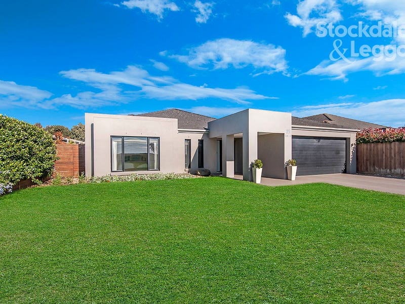 25 Lake Street, Koroit, Vic 3282