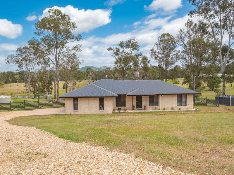 8 McMurtrie Road, Chatsworth, Qld 4570