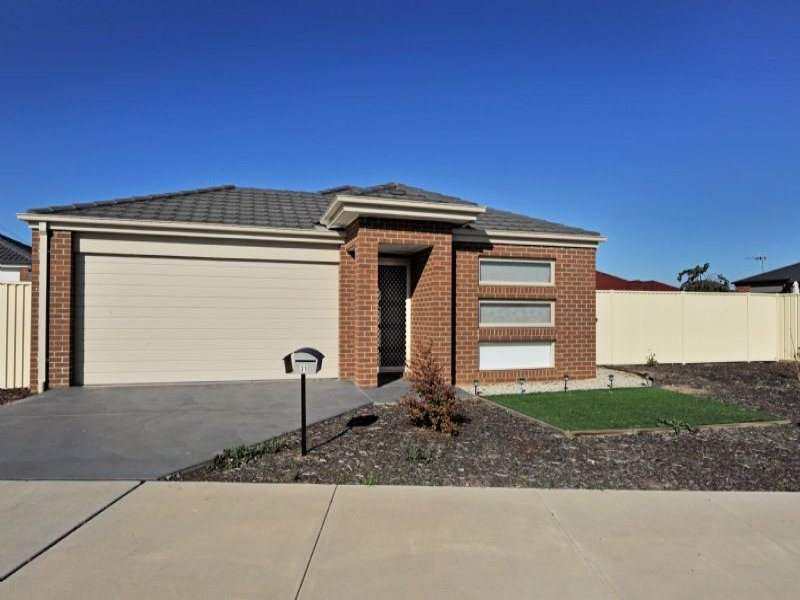 31 Warrumbungle Drive, Shepparton North, Vic 3631