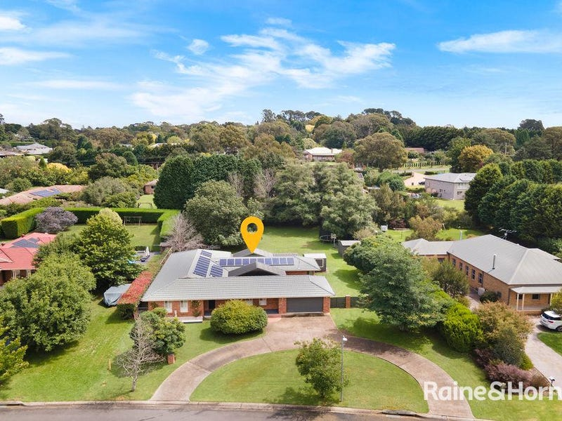 10 Victor Crescent, Moss Vale, NSW 2577