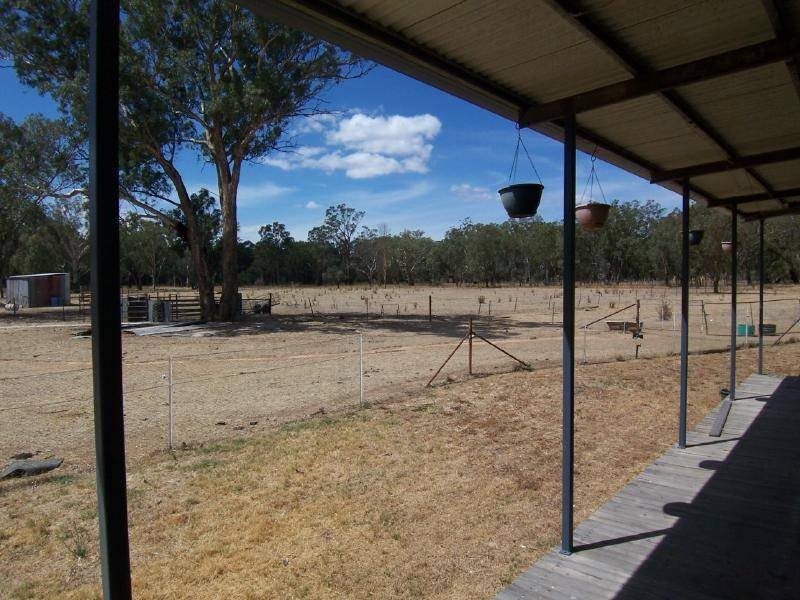 169 Old Wallendbeen Road, Stockinbingal, NSW 2725