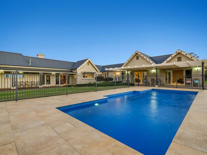 40 Eva Place, Lovely Banks, Vic 3213