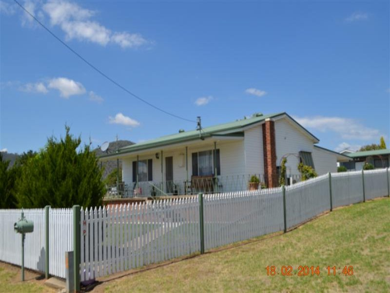 45 Gundagai Street, Adelong, NSW 2729