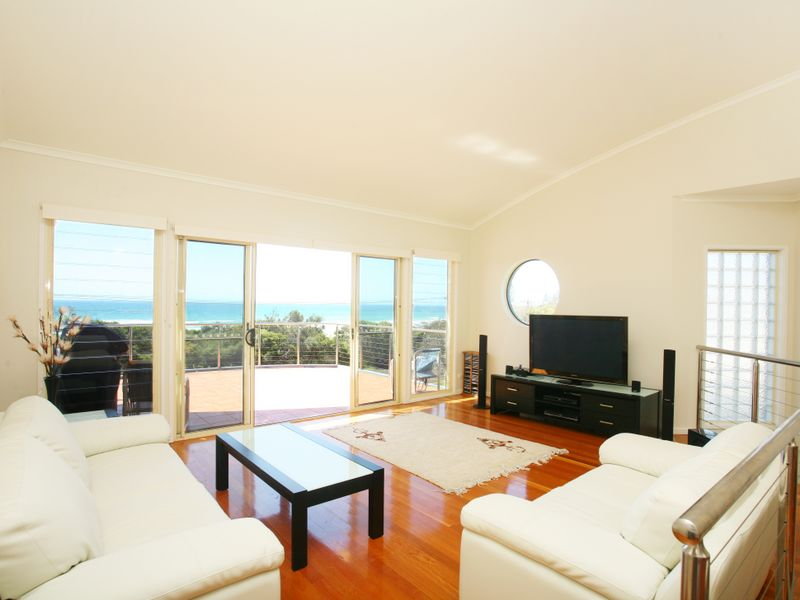 1/37 Marine Drive, Wallabi Point, NSW 2430
