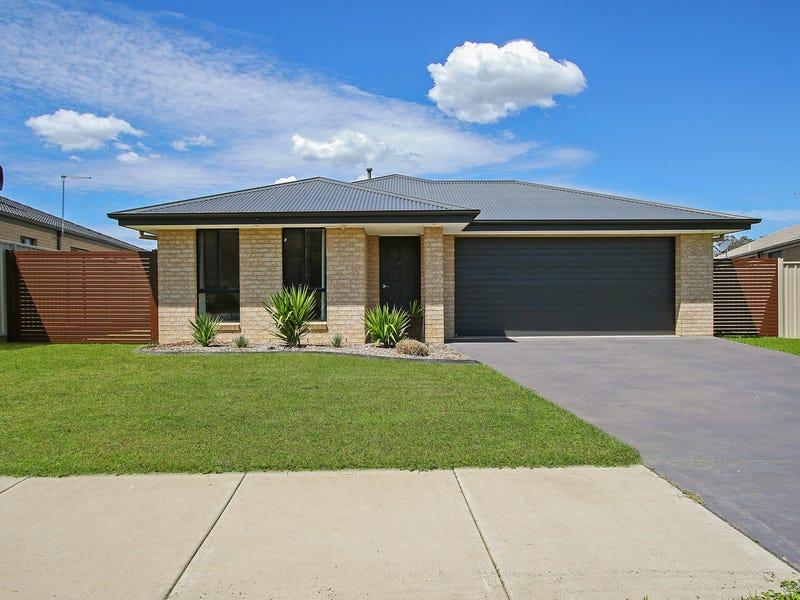 76 Greta Drive, Hamilton Valley, NSW 2641