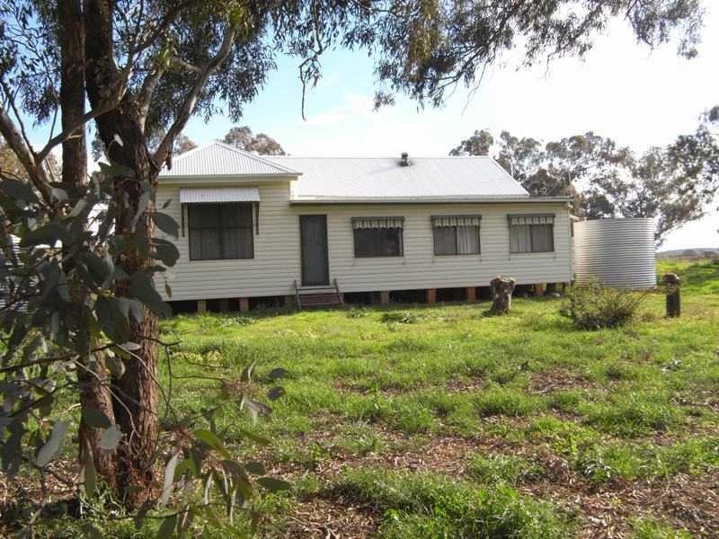 Old School Residence Bridge Street, Muttama, NSW 2722