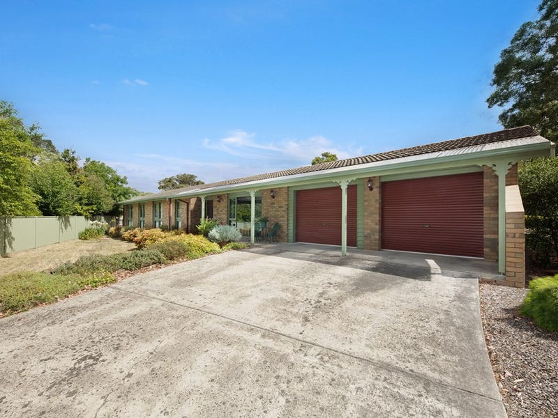 219 Shire Avenue, Mount Helen, Vic 3350