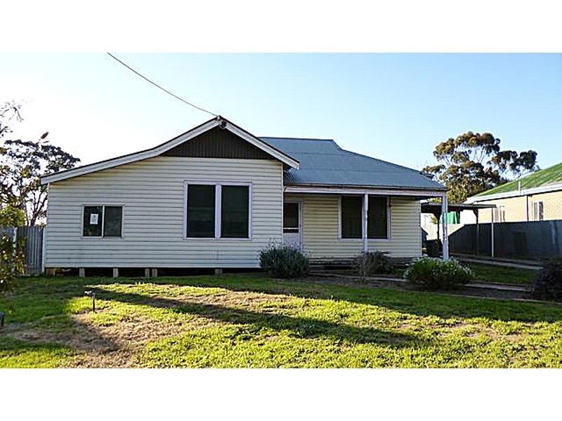 14 Railway Terrace, Goroke, Vic 3412