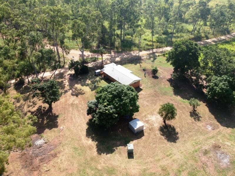 123 New Zealand Gully Road, Mount Chalmers, Qld 4702