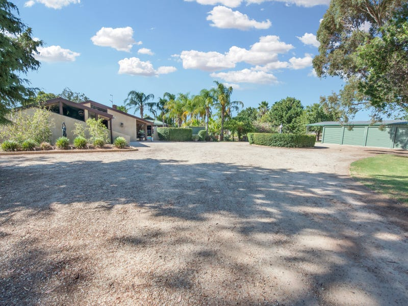 57 Douglas Road, Swan Hill, Vic 3585