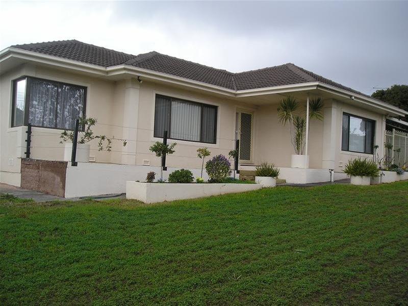 2 Rialto Avenue, Para Hills, SA 5096