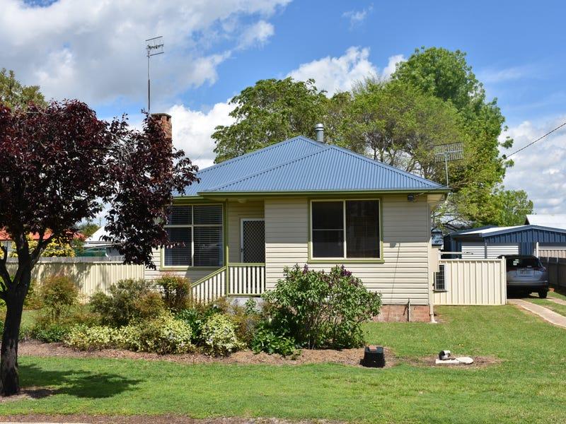 20 LEWIS STREET, Glen Innes, NSW 2370