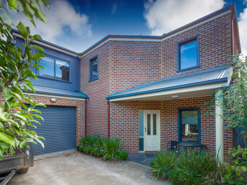 Unit 4/16 Calthorpe Street, Gisborne, Vic 3437