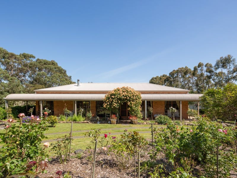 20 Pennell Crt, Wattle Bank, Vic 3995