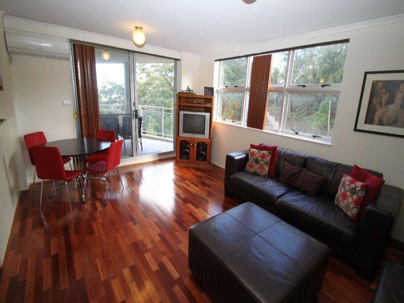 141/80 John Whiteway Drive, Gosford, NSW 2250
