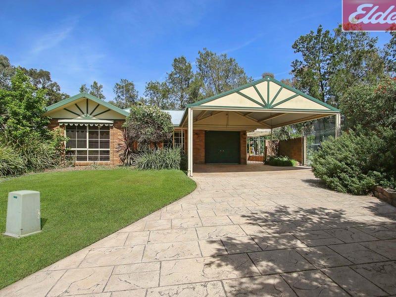 4 Gleneagles Court, Thurgoona, NSW 2640