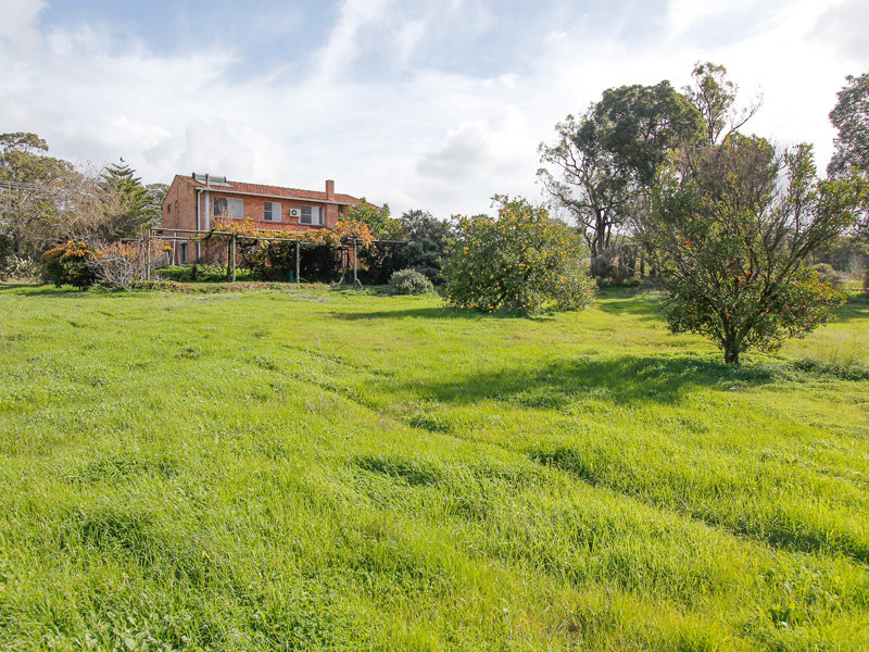 19 Repatriation Road, Pickering Brook, WA 6076