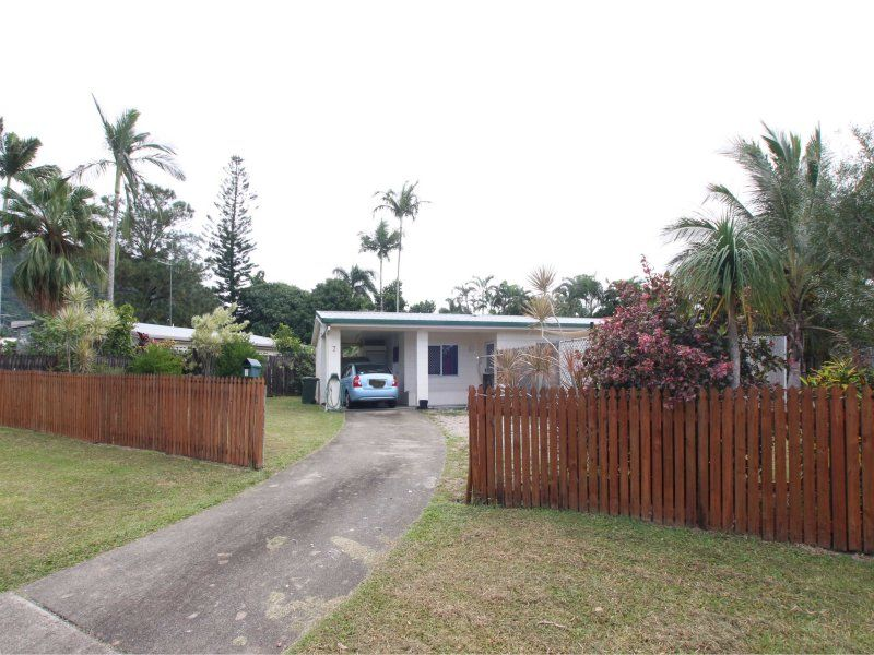 7 Azalea Close, Mooroobool, Qld 4870